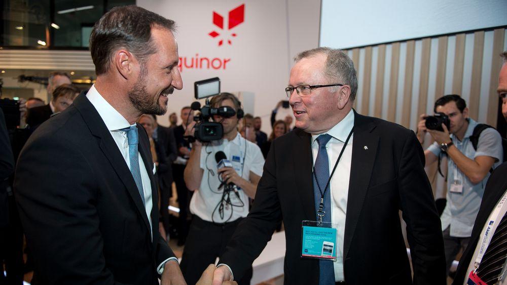 Konsernsjef i Equinor Eldar Sætre og H.K.H. Kronprins Haakon under åpningen av ONS mandag denne uken i Stavanger.