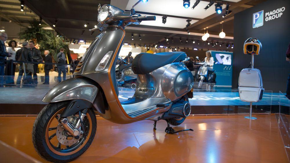 Piaggio viste frem den elektriske Vespa-en i fjor.
