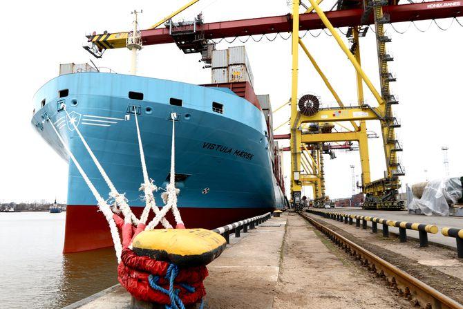 Skroget har en vertikal baug med integrert bulb. Dette reduserer energibehovet til fremdrift ved ulike dypganger, ettersom vannlinjen forlenges. Designet ble utviklet i samarbeid mellom Odense Maritime Technology (ODM) og Maersk.