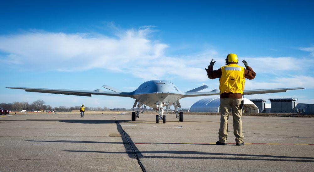 «Deck handling»-demonstrasjon med MQ-25A Stingray hos Boeing i St. Louis tidligere i år.