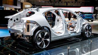 I fjor var det 19 kilo aluminium i hver bil. Snart blir det 280