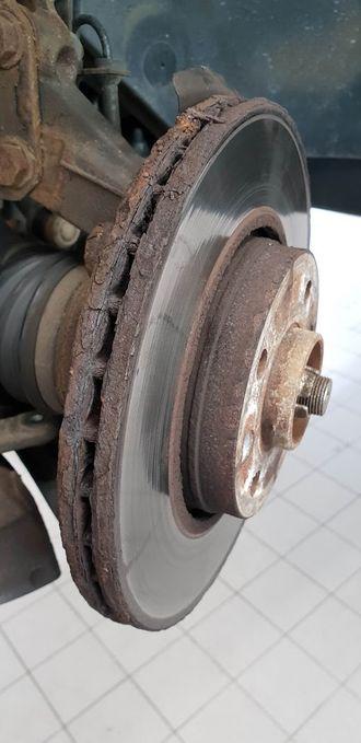 Ser bremseskivene rustne ut? Da kan du måtte regne med en utgift på mange tusen kroner.