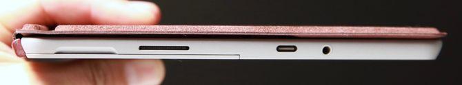 Det er både USB-C-kontakt, 3,5 mm hodetelefonutgang, samt en proprietær ladeutgang (Surface Connect). Du kan imidlertid også lade via USB-C.
