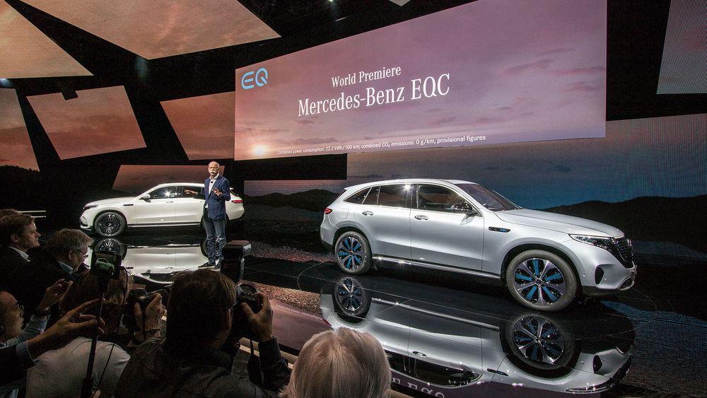 Daimler-sjef Dieter Zetsche presenterer EQC.