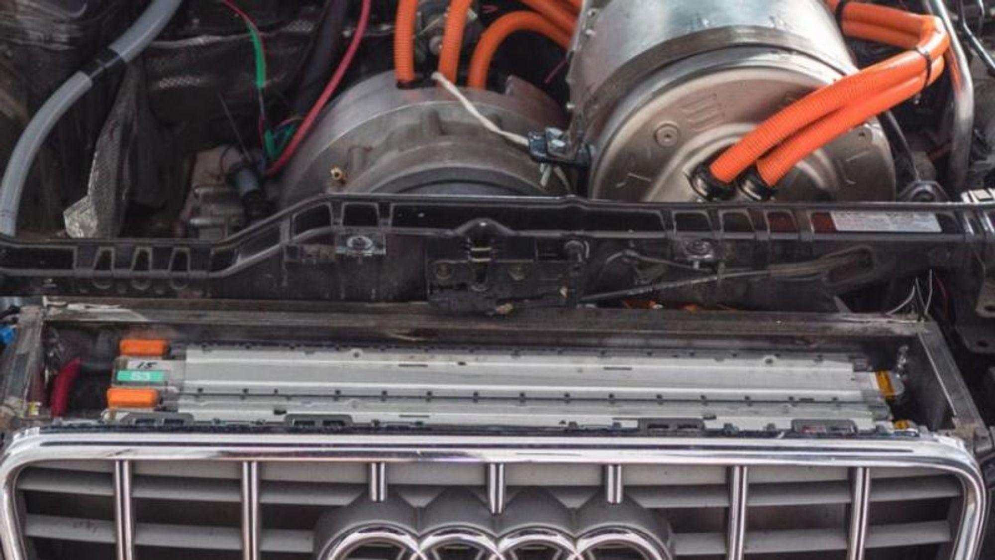 En Audi med alternativ strømdrevet innmat, montert av Elbil-patrioten Samuel Polyak.