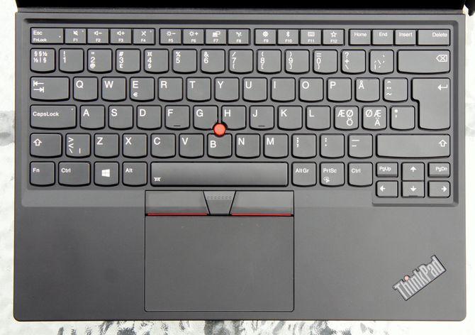 Lenovo har klart å få plass til et sjeldent godt tastatur i et ganske tynt tastaturdeksel.