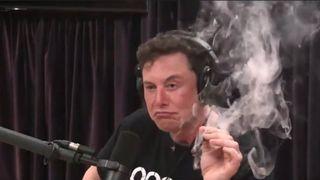 Elon Musk røyket marihuana, snakket om kunstig intelligens og kolonisering av verdensrommet