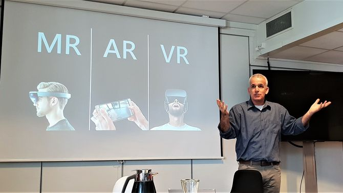 Trimbles mixed reality-ekspert Aviad Almagor