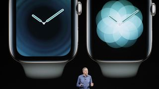 Jeff Williams, Apples chief operating officer, snakker om Apple Watch under en presentasjon den 12. september.