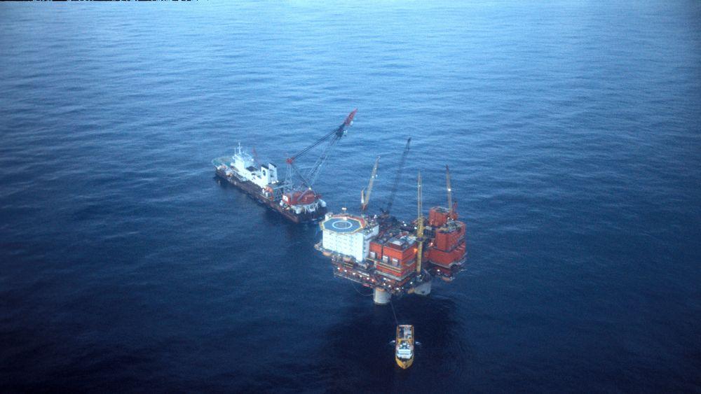 Slik så oljeboringsplattformen Statfjord A ut i oktober 1977, to år før produksjonsstart. Om få år er det over for den innbringende plattformen.