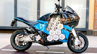 Denne motorsykkelen har24 batterimoduler, som raskt kan tas ut og inn