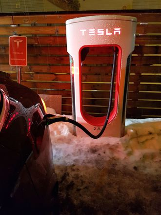 Tesla Supercharger i Lier.