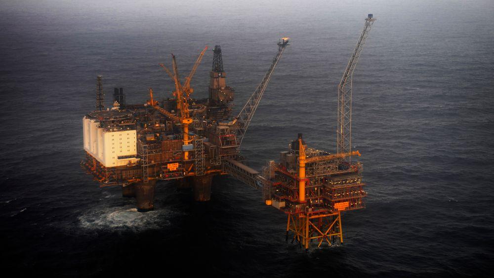 Oseberg-feltet i Nordsjøen. Tidligere sjeføkonom i Verdensbanken, Nicholas Stern, advarer mot nye oljeinvesteringer nå.