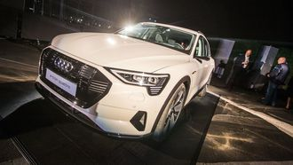 Audi E-Tron får rekkevidde .