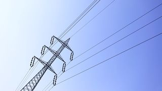 NVE vedtar tvangsmulkt for 98 nettselskaper