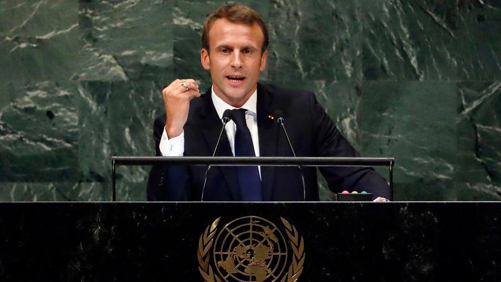 Frankrikes president, Emmanuel Macron, vil la Iran få fortsette å selge olje.