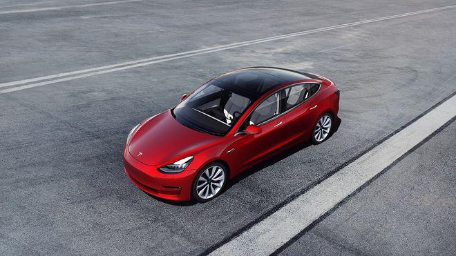 I dag ble Tesla Model 3 nummer 13.000 registrert. Nå kan elbilen sette ny norsk rekord.