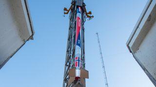 Her skytes den opp: Se Norges første romrakett stige til værs