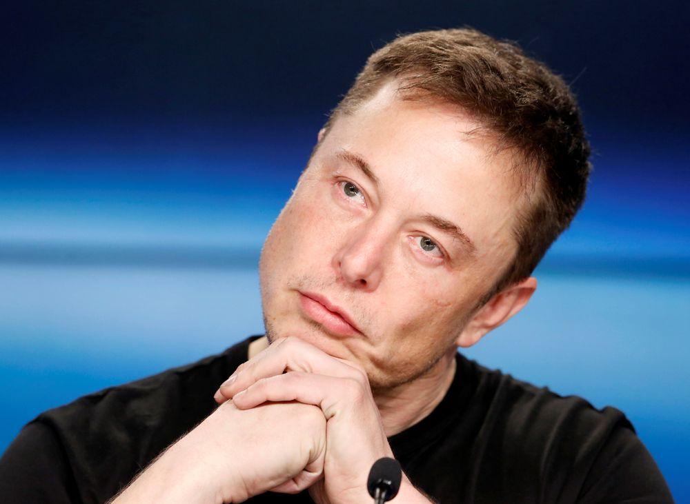 TØFFE TIDER: Elon Musk får også en saftig bot etter sitt børsutspill.