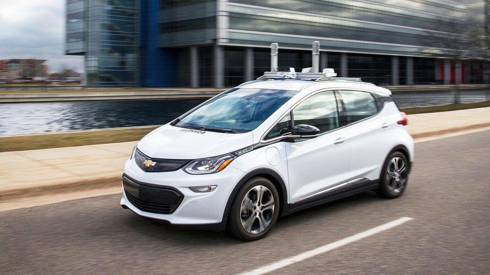 GM eksperimenterer allerede med selvkjørende biler. Her er et av kjøretøyene deres under testing i Michigan.