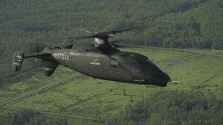 Fartsrekorder for helikoptre:Nå flyr Sikorsky S-97 Raider nesten i toppfart