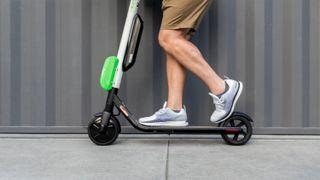 Leie av el-sparkesykkel er blitt stort i USA. Det merker de på legevakta
