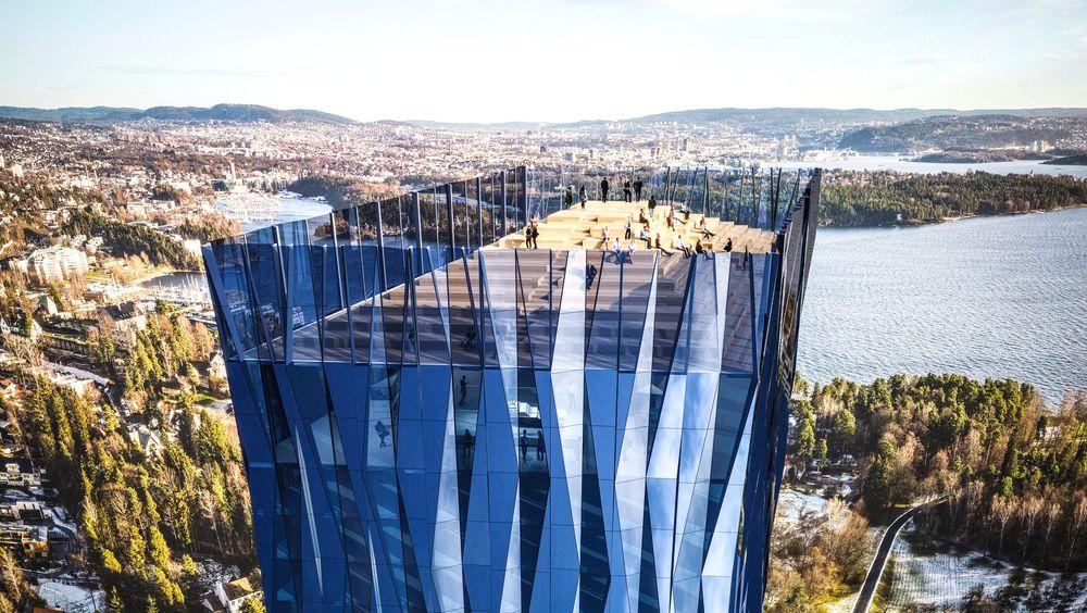 Det kommer til å bli bra utsikt fra takterassen på Norges høyeste bygning, hvis Kjell Inge Røkke får Bærum kommune med på byggeplanene sine.
