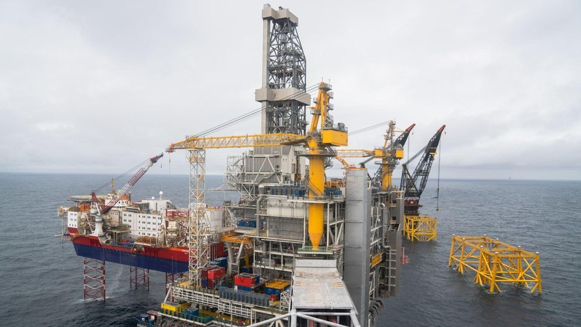 Fra Johan Sverdrup-utbyggingen i august 2018, da to av fire plattformer var på plass.