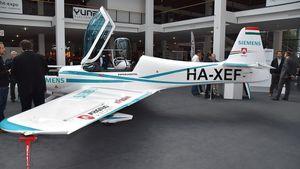 1200px-Siemens-FlyEco_Magnus_eFusion_HA-