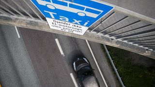 I Danmark takker el-bilistene nei til å kjøre i kollektivfeltet: – Det vil bare skape dårlig stemning
