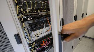Olav Lysne om spionutstyr i servere og nettverk: – En enorm styrke for etterretning og sjansene for å bli avslørt er små