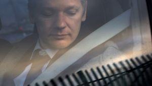 Ecuador fjerner kommunikasjons-nekt for Assange