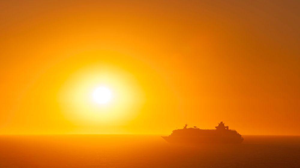 Cruiseskip seilende fra Cádiz i Spania. Vard Group er maritim-selskapet som har høyest omsetning i Norge, og de er nå tungt inne i cruisemarkedet.