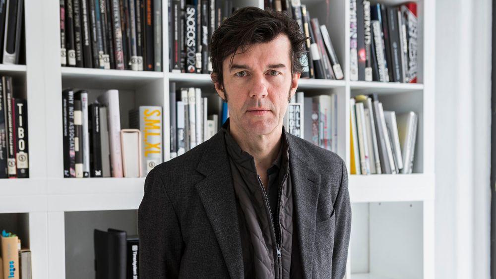 Den norgesaktuelle designeren Stefan Sagmeister er lei av det han mener er latskap i arkitektur.