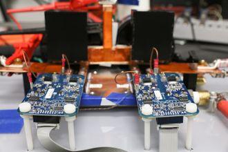 Kraftelektronikken som er utviklet til ORNLs prosjekt.