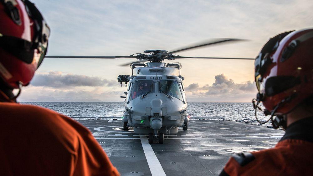 NH90 på dekket på fregatten KNM «Thor Heyerdahl» i forbindelse med en sambandstest i fjor.