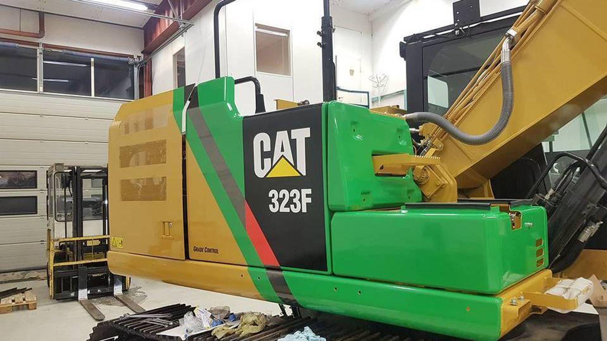 Pons maskin er en ombygget utgave av allrounderen Cat 323F, og har fått navnet Cat 323F Z-line. Prosjektleder Eivind Hafslund planlegger å overlevere de tre første maskinene før nyttår.