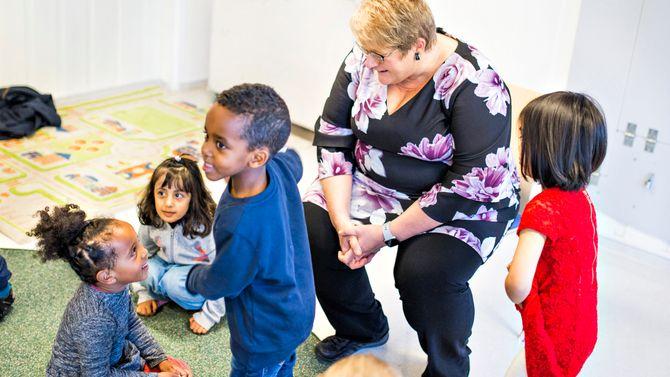 Denne uka besøkte kulturminister Trine Skei Grande (V) Langleiken og Enerhaugen barnehager i Oslo.