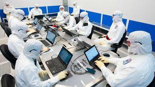 Halvlederprodusenter sliter med å følge Moores lov