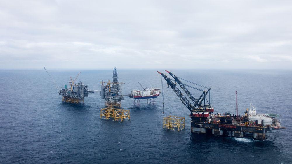Kværner skal bygge nok et stålunderstell til Johan Sverdrup-utbyggingen. Equinor tildeler selskapet en 900-millionerskontrakt for stålunderstellet til prosessplattformen i fase 2 av prosjektet. Fra før står tre stålunderstell bygget ved Kværners verft på feltet i Nordsjøen.