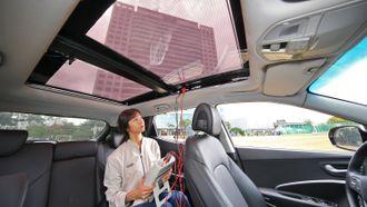 Hyundai utvikler gjennomsiktige solcelletak til biler med forbrenningsmotor.
