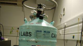 Tank med flytende helium.