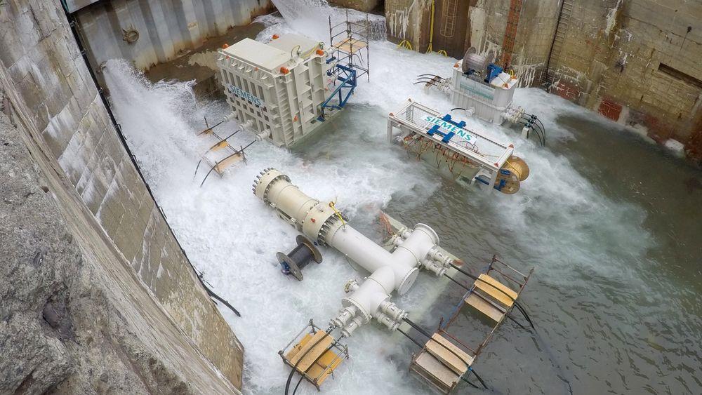 Siemens Subsea Power Grid er verdens første system for distribusjon av mellomspent kraft basert på trykkompensert teknologi. Subseasystemet består av en transformator, en koblingsbryter, en frekvensomformer, koblinger og kontakter samt et kontroll- og overvåkingssystem.