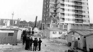 Hundrevis av britiske høyblokker kan kollapse på grunn av utrygg byggemetode. Er vi bedre rustet i Norge?
