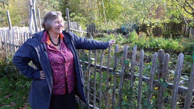 Askeladden Steinerbarnehage har blant annet sin egen kjøkkenhage, og høner på tunet. Daglig leder Astrid Sund har drevet miljøvennlig og økologisk i 35 år.