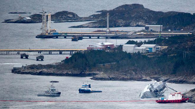 Fregatten har 385.000 liter diesel ombord: – Dette kommer til å ta lang tid