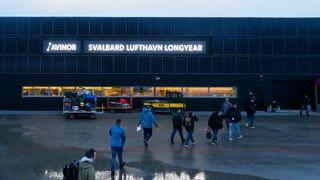 Må forby solceller og vindkraft på Svalbard. Blir nødt til å velge dieselkraftverk