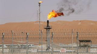 Saudi-Arabia varslet kutt i oljeproduksjonen. Nå stiger oljeprisen