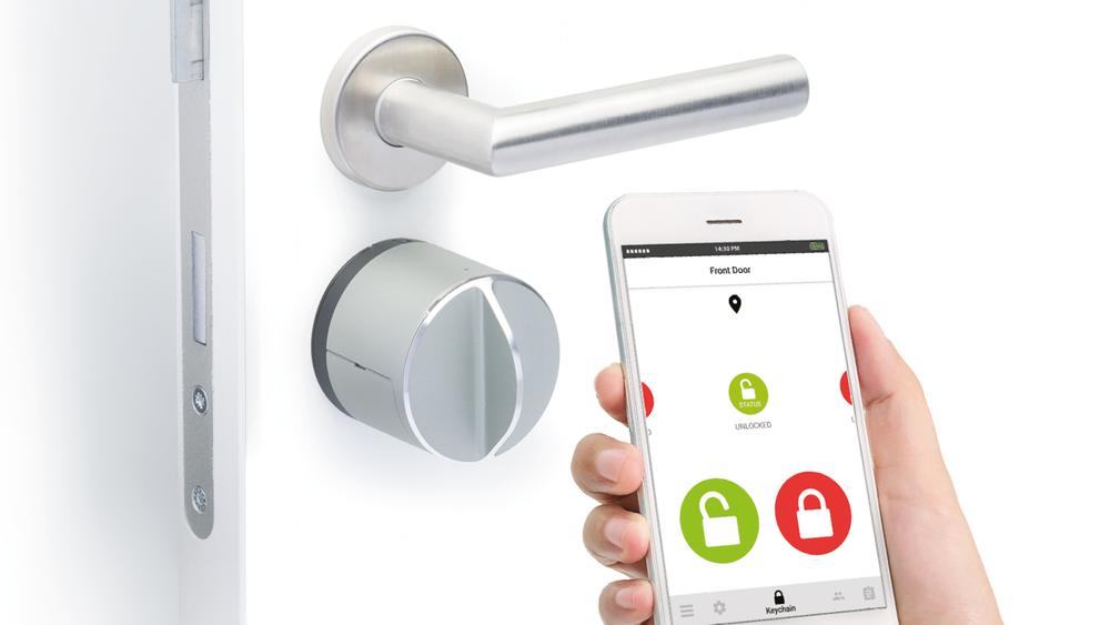 Danalock-låsen har flere kommunikasjonsmuligheter. Forsvaret har gått for en offline mobilbasert nøkkel med kode som backup.