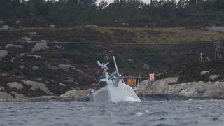 Heftig vær kan forsinke bergingen av fregatten